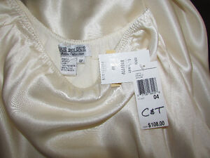 100% SILK Asymmetrical Cream Skirt - Size 3 - NEW with TAGS Gatineau Ottawa / Gatineau Area image 4