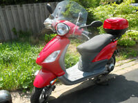 2007 Piaggio (Vespa) Fly 150 with all the bells & whistles