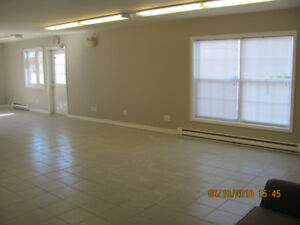 large clean retail space for rent