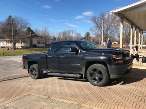 2018 Chevrolet Silverado 1500 camion de travail Camionnette