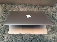 2014 Macbook Air, 128gb ssd, 4gb ram, i5 prosessor. As New condition. No charger. £600 no offers !!