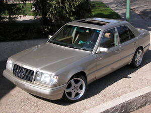 Classic 1986 Mercedes- Benz 300 E Series