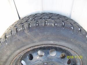 185/65R14 pneus d'hiver sur jantes 4x100