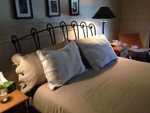 QUEEN SIZE WROUGH IRON BEDFRAME