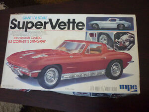 VINTAGE 63' SPLITWINDOW CORVETTE MODEL KIT FOR COLLECTOR *NIB*