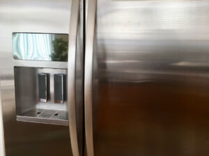 KitchenAid Counter Depth side-by-side Refrigerator KSC24C8EYY02
