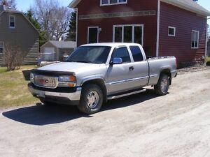 2002 GMC C/K 1500 Sierra Pickup Truck