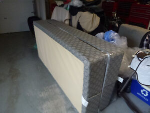 King Size Obus Form pillow top mattress and box springs