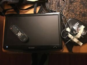 19 inch Sharp Television - Great for the RV/Trailer!!