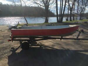 12 ft aluminum boat package with trailer & 9.5 hp Johnson
