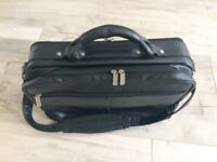 Men's leather travel bag in very good condition