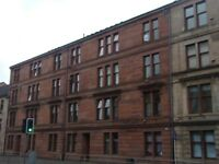 TO LET - TOP FLOOR ONE BEDROOM FLAT LOCATED IN PAISLEY CENTRE