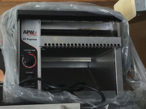 New Commercial Conveyer Toaster for sale PRICE DROP!!