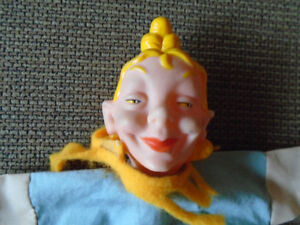 ancienne marionnette face de clown  8 po. de long