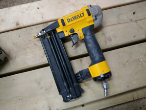Dwalt air nailer