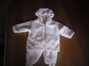 Beautiful Pink Winter Suit for Baby size 9-12 months