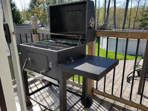 Backyard Grill charcoal barbecue