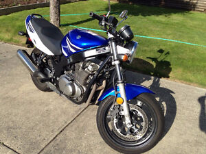Suzuki GS500 -Excellent Condition, Only 4,625 km!!