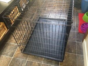 Wire dog crate / kennel