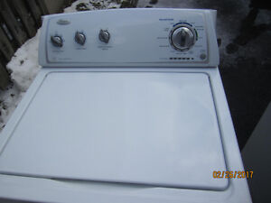 Maytag Whirlpool 3.4 cu. ft. Top Load Washer- LIKE NEW
