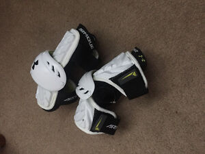 Brand New under armour lacrosse arm guards