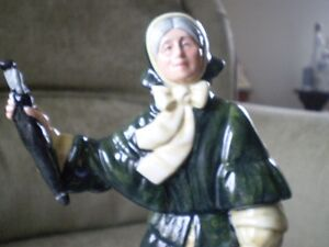 "Royal Doulton Figurine - "" Christmas Parcels "" HN 2851 Kitchener / Waterloo Kitchener Area image 10"