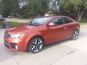 2011 Kia Forte Fully Loaded Coupe (2 door)