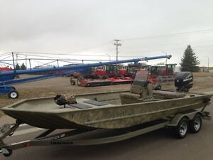 2013 Tracker Grizzly 2072 Optimax 90hp.Less than 3 hrs on it.