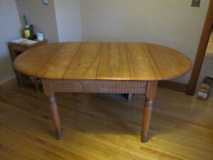 Solid Wood Antique Kitchen/Dining Room Table