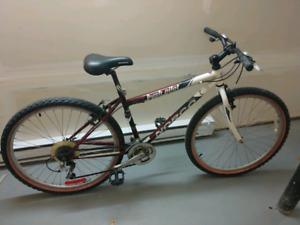 """Vélo de montagne Norco 16"""""""