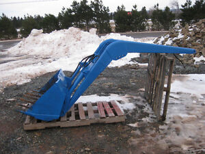 Allied 350  loader for MF tractors