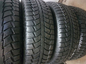 215/65r16 Uniroyal TigerPaw Ice & Snow II (ST R) - 4 Winter 8/32