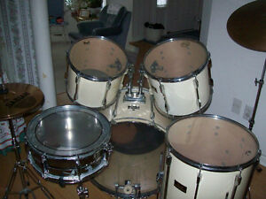 PEARL  EXPORT SERIES  DRUM SET ( COMPLETE  KIT )