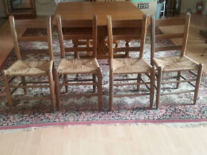 Antique Set of 4 Tiger Maple Chairs with Rush Seats for Sale