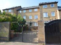 5 bedroom house in Gunwhale Close, Rotherhithe SE16
