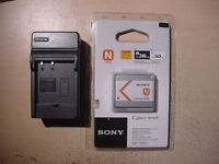 SONY NP-BN 1 LITHIUM CYBER SHOT BATTERY+ HOUSE CHARGER-NEW