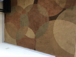 Carpet / area rug . 4x6  Only for 25$