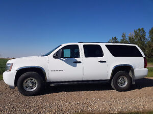 2012 Chevrolet Suburban 9 passenger