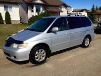 2003 Honda Odyssey Mini Van Loaded with Rear Entertainment