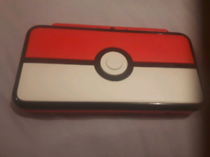 NEW 2DS XL Pokeball Edition (Like new)