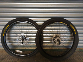 26 inch wheels front and rear quick release
