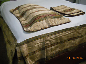 king size bed skirt+2 shams