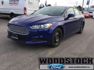 2015 Ford Fusion SE  LOW MILEAGE - ONE LOCAL OWNER - SYNC