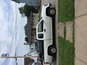 2005 GMC extended cab / great little truck / $ 1250 or obo
