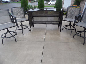 Bar Table With Tinted Glass and 4 Chairs
