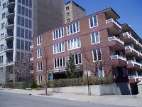 3½ près du métro et de l'Université McGill, chauffage inclus