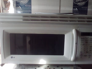 WHITE LARGE MICROWAVE AND DISHWASHER