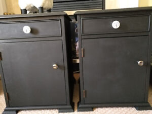 Two Kroehler End Tables in Luxurious Black--PRICED TO SELL