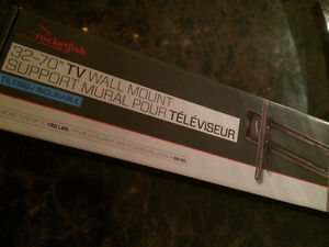 "32-70"" rocketfish tv wall mount Oakville / Halton Region Toronto (GTA) image 1"