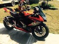 Beautiful GSXR ready to go- PRICE REDUCED
